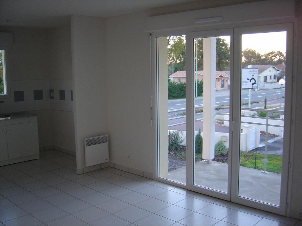Achat Appartement 2 pièces à Biganos - vignette-2