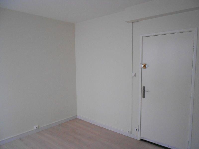 Location Appartement 1 pièce à Arras - vignette-3