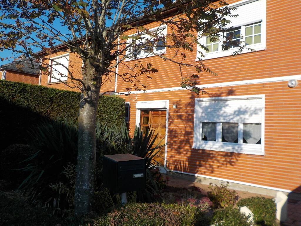 Location Maison 4 pièces à Beaurains - vignette-1
