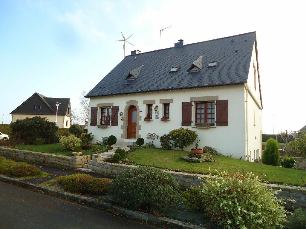 Achat Maison 5 pièces à Saint-Sauveur-des-Landes - vignette-1