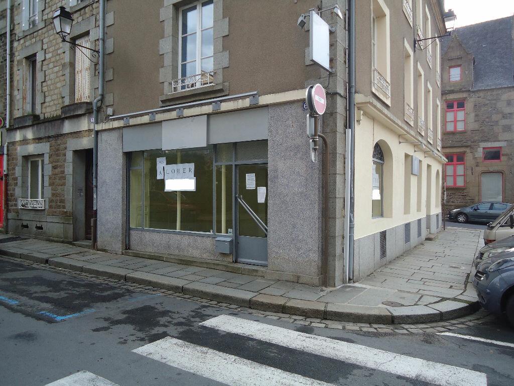 Location Local commercial  à Fougères - vignette-1