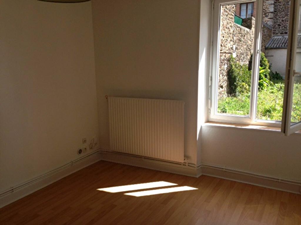 Achat Appartement 1 pièce à Fougères - vignette-1