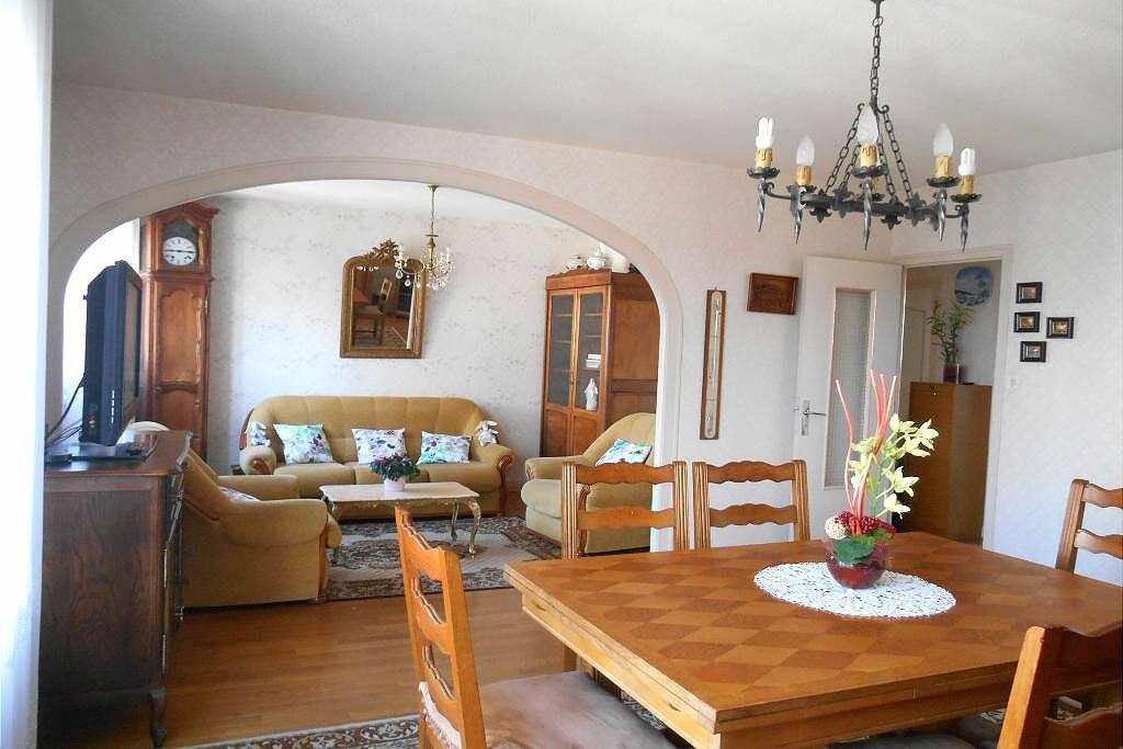 Achat Appartement 4 pièces à Fougères - vignette-1