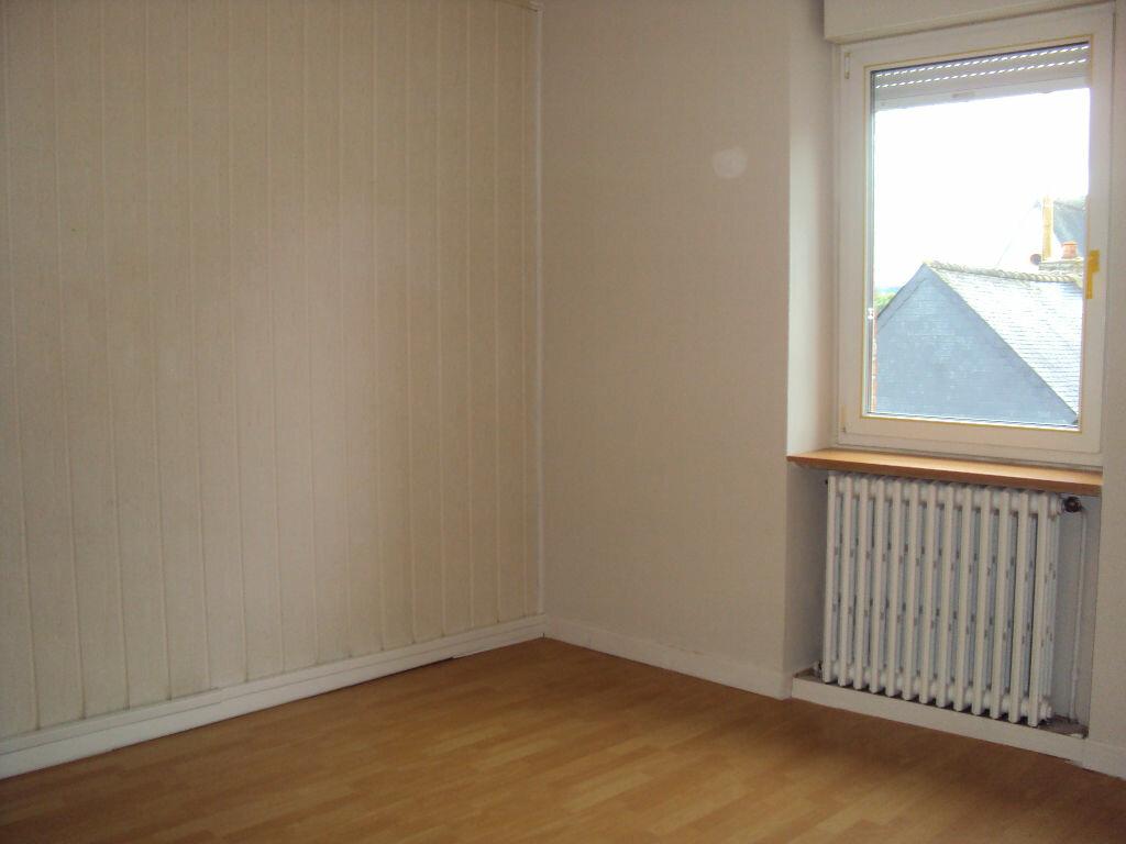 Location Maison 4 pièces à Dompierre-du-Chemin - vignette-6