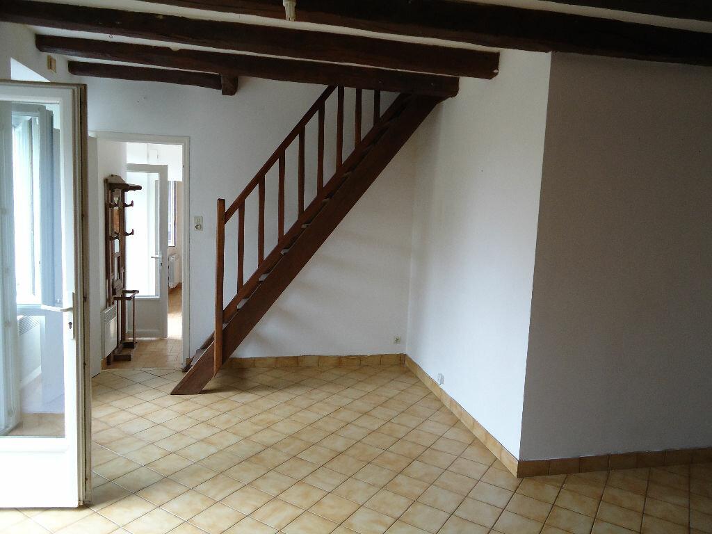 Achat Maison 4 pièces à Saint-Étienne-en-Coglès - vignette-3