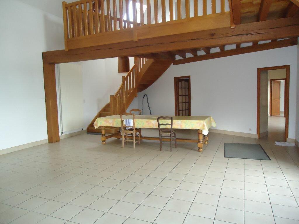 Location Maison 6 pièces à Saint-Hilaire-des-Landes - vignette-1