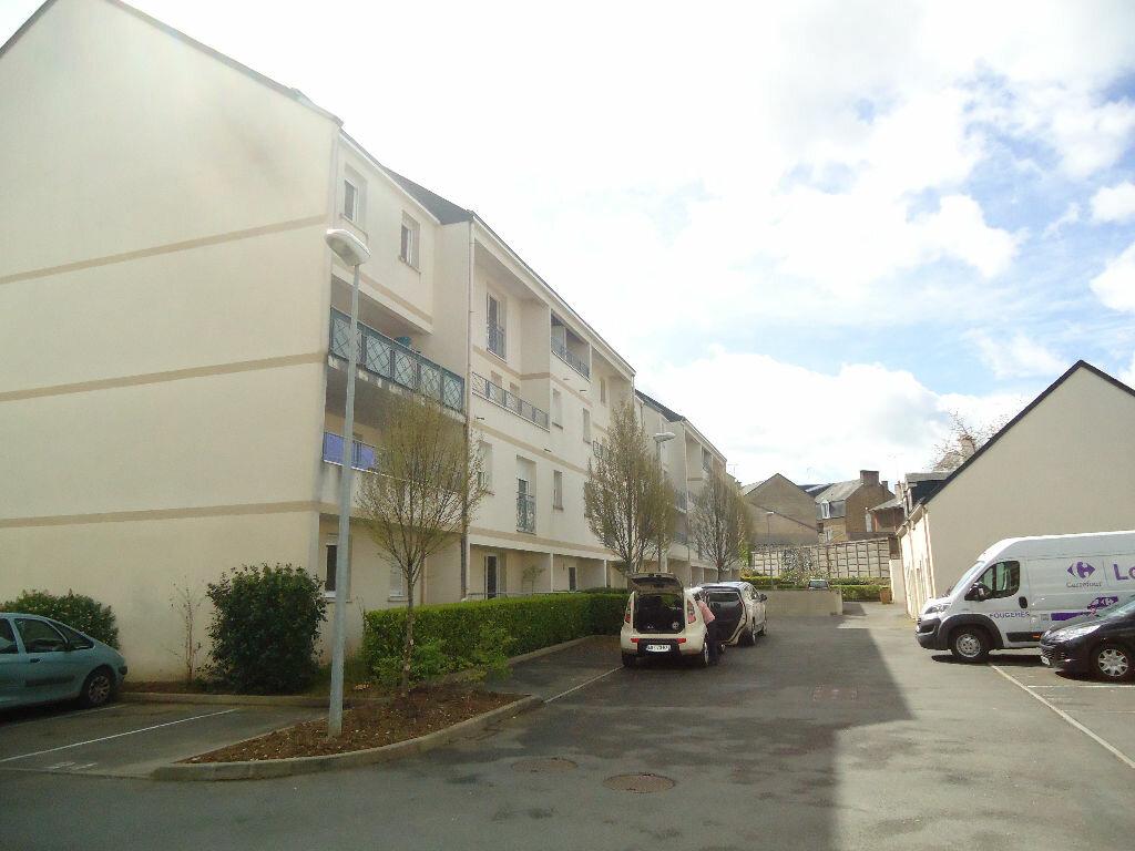 Location Appartement 2 pièces à Fougères - vignette-1