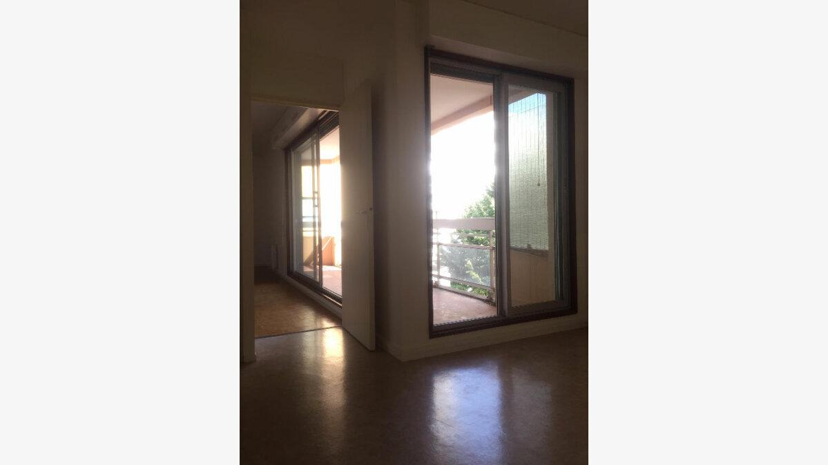 Achat Appartement 4 pièces à Nancy - vignette-1