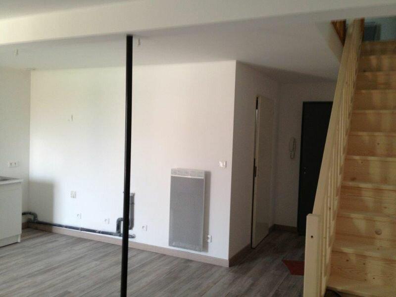 Location Appartement 2 pièces à Clérey-sur-Brenon - vignette-1