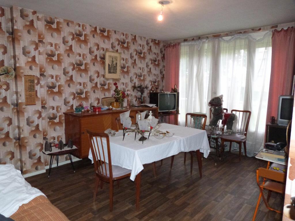 Achat Appartement 4 pièces à Le Petit-Quevilly - vignette-2