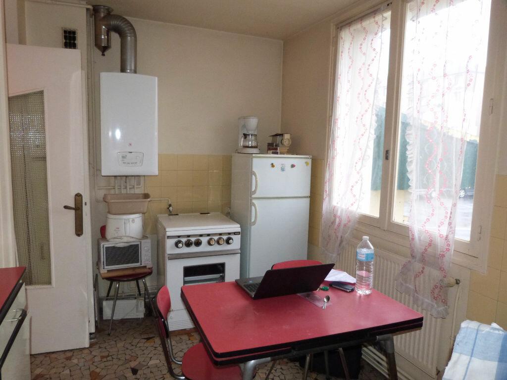 Achat Appartement 4 pièces à Le Petit-Quevilly - vignette-3