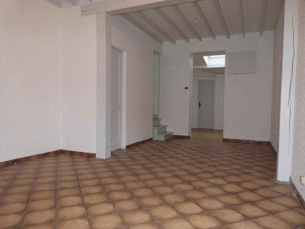 Achat Maison 5 pièces à Saint-Étienne-du-Rouvray - vignette-2