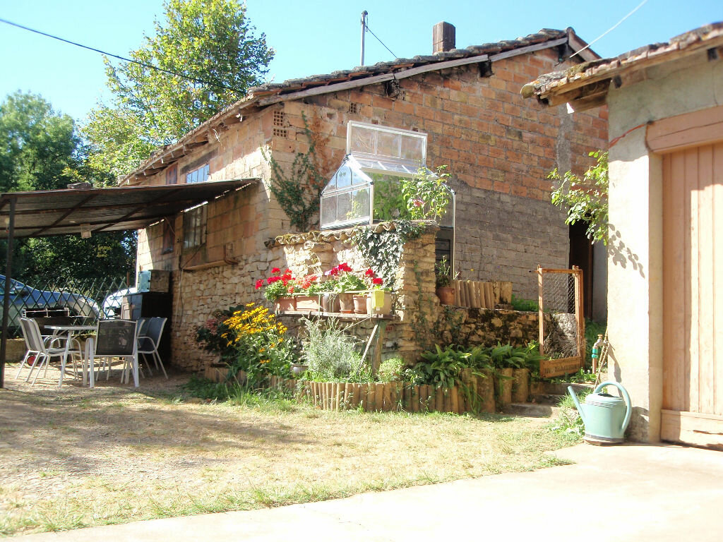 Achat Maison 4 pièces à Puygaillard-de-Quercy - vignette-1