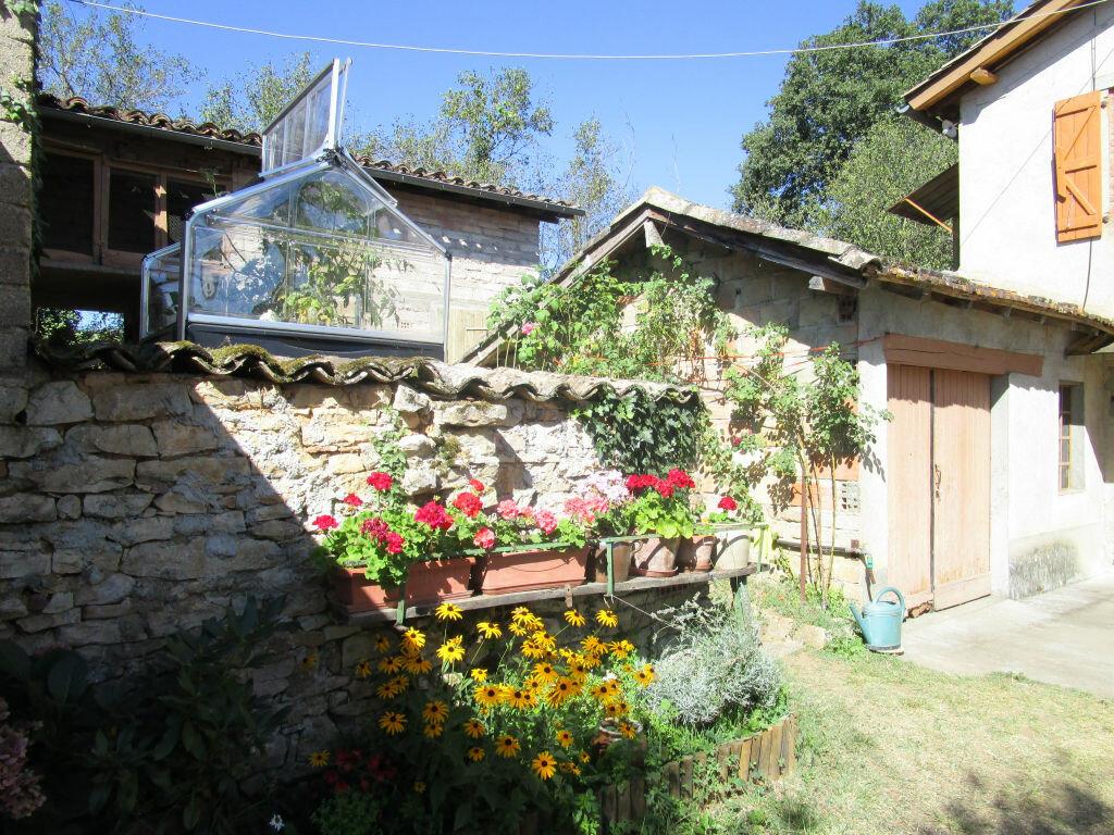 Achat Maison 4 pièces à Puygaillard-de-Quercy - vignette-2