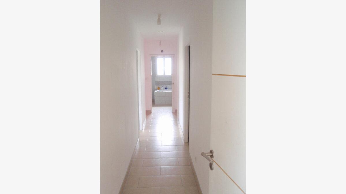 Location Maison 5 pièces à Cayrac - vignette-3