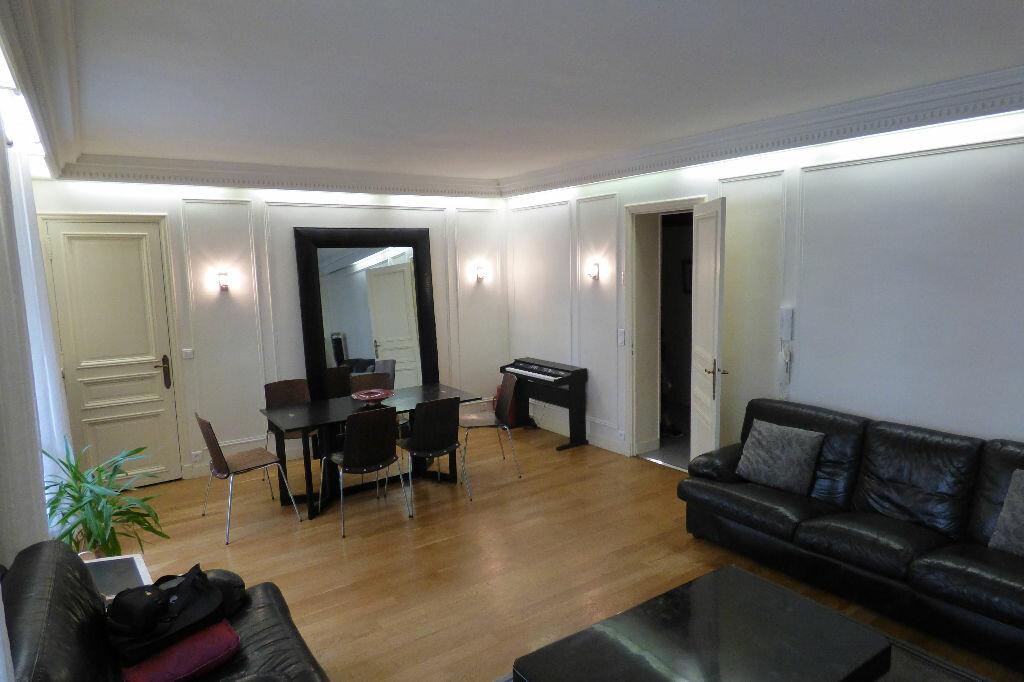 Achat Appartement 5 pièces à Paris 10 - vignette-1