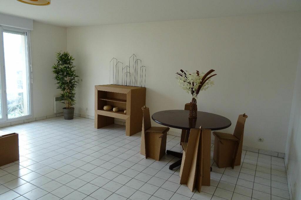 Achat Appartement 4 pièces à Cergy - vignette-1