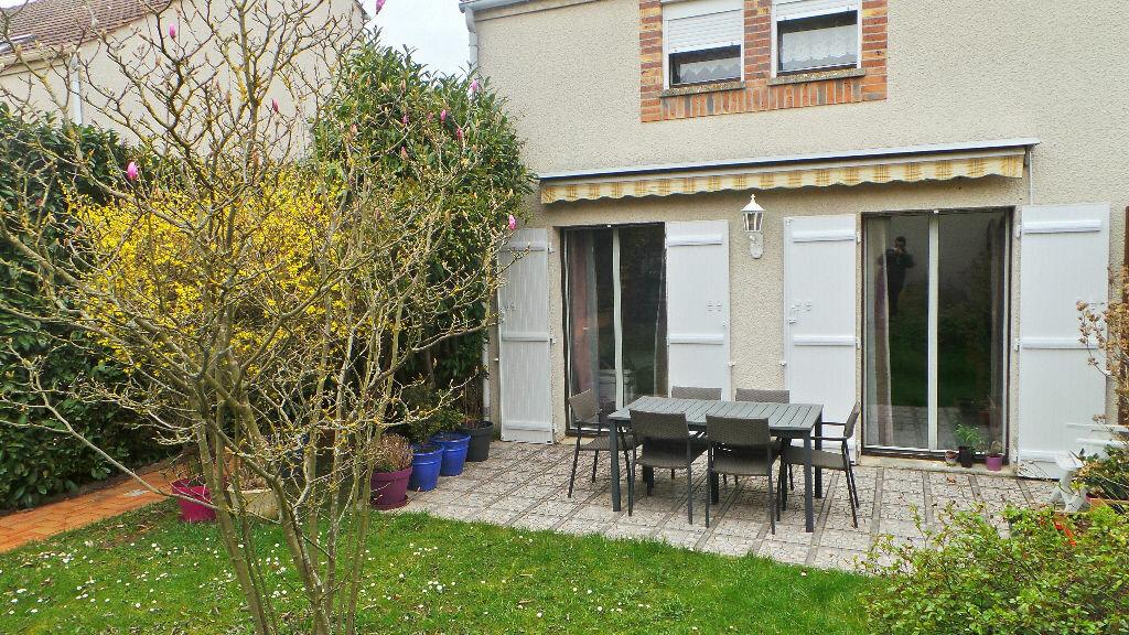 Achat Maison 4 pièces à Jouy-le-Moutier - vignette-1