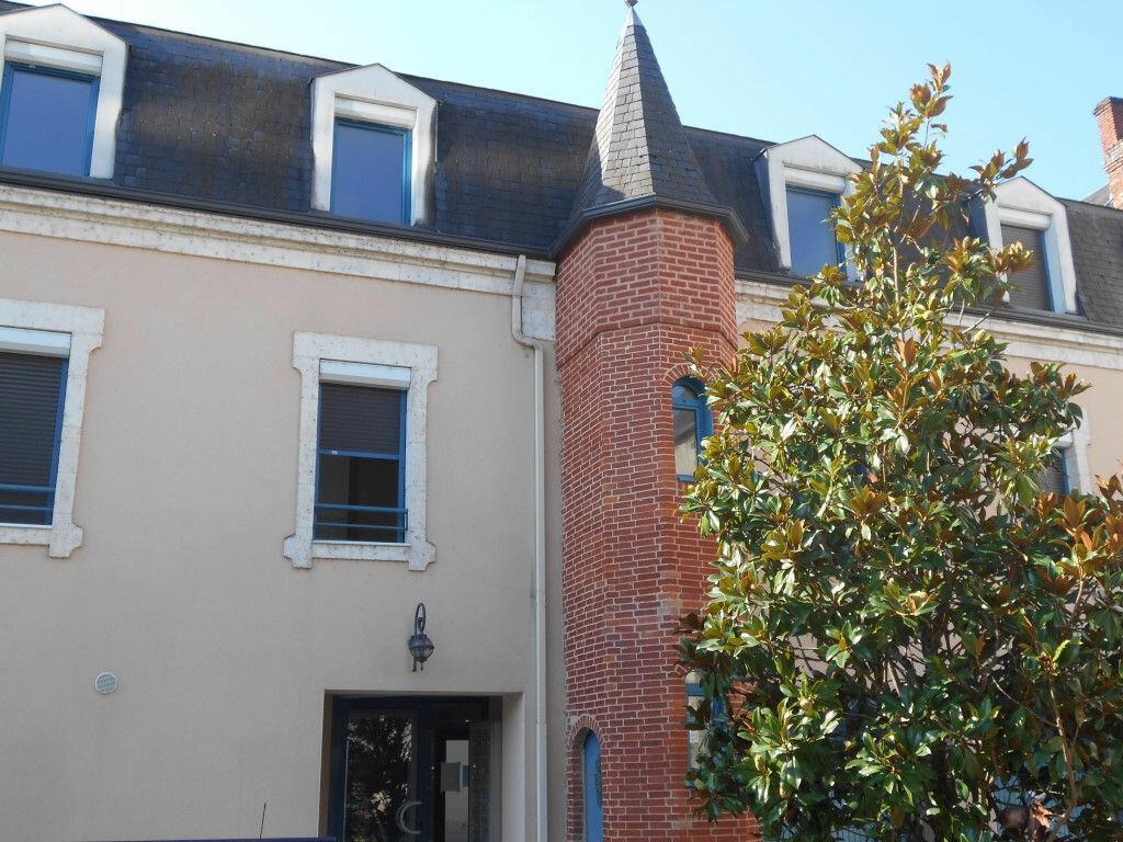 Location Appartement 1 pièce à Terrasson-Lavilledieu - vignette-1