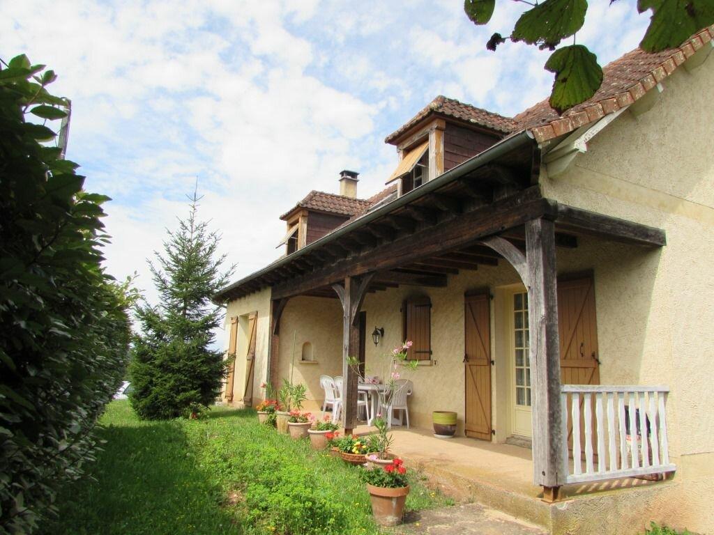 Achat Maison 6 pièces à Saint-Pantaléon-de-Larche - vignette-1
