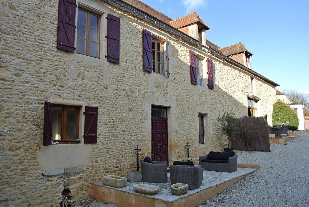 Achat Maison 10 pièces à Auriac-du-Périgord - vignette-1