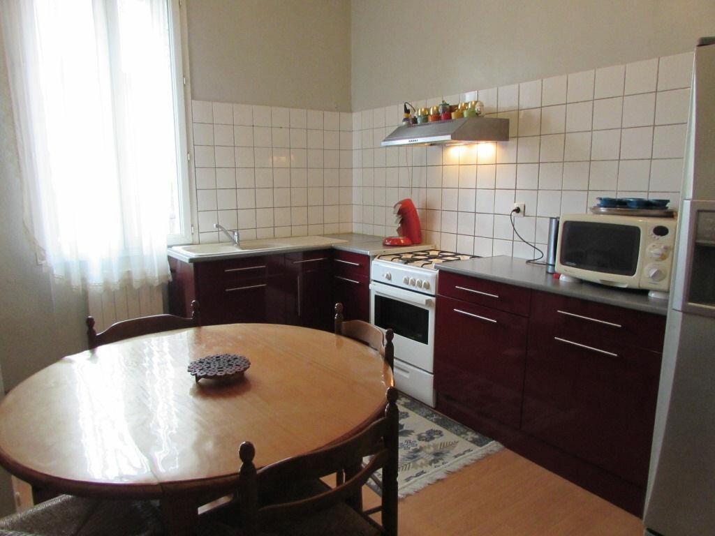 Achat Maison 4 pièces à Le Lardin-Saint-Lazare - vignette-3