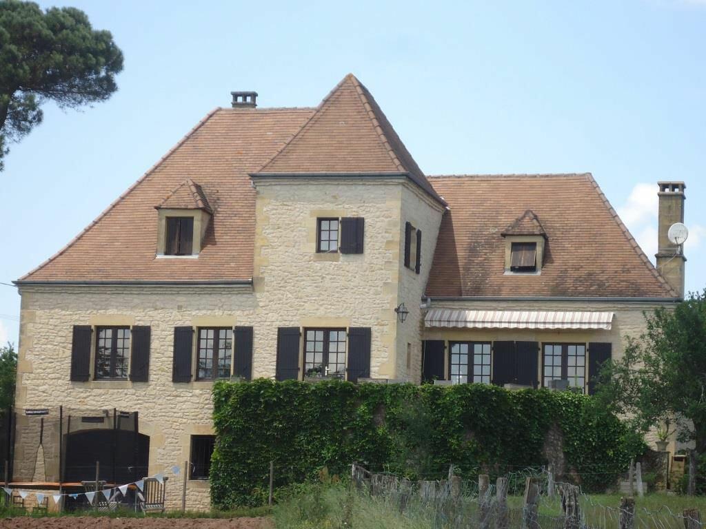 Achat Maison 7 pièces à Saint-Pantaléon-de-Larche - vignette-1