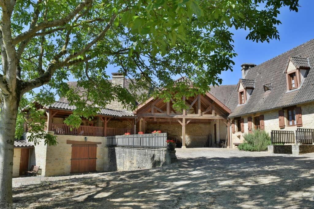Achat Maison 4 pièces à Saint-Amand-de-Coly - vignette-1