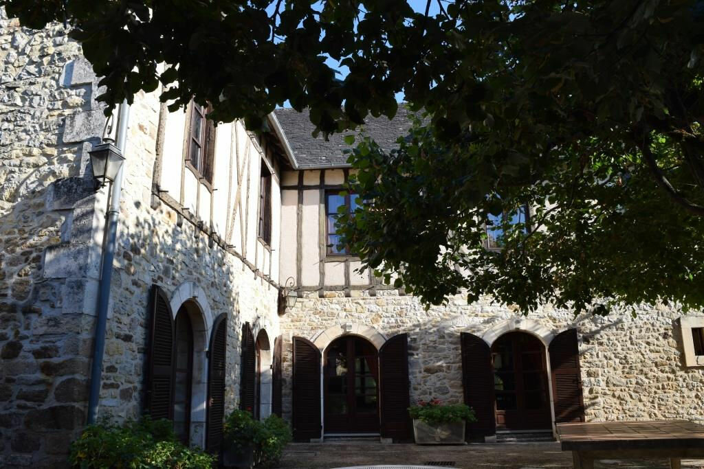Achat Maison 10 pièces à Terrasson-Lavilledieu - vignette-13