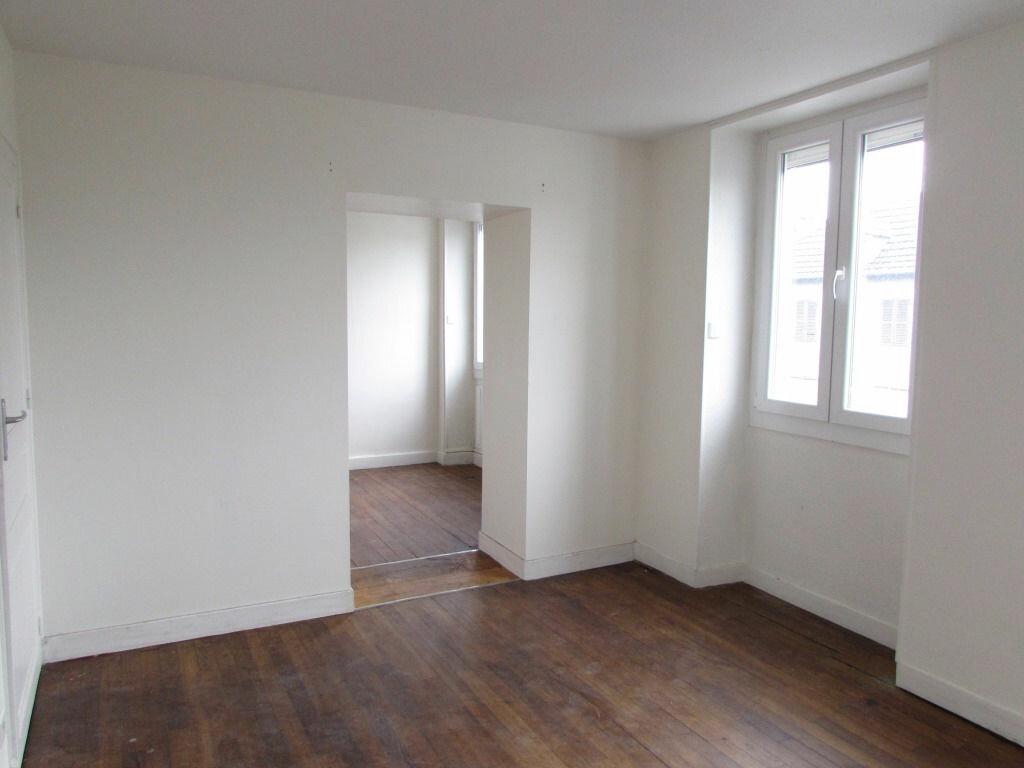 Location Appartement 2 pièces à Le Lardin-Saint-Lazare - vignette-3