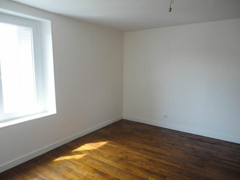 Location Appartement 2 pièces à Le Lardin-Saint-Lazare - vignette-4