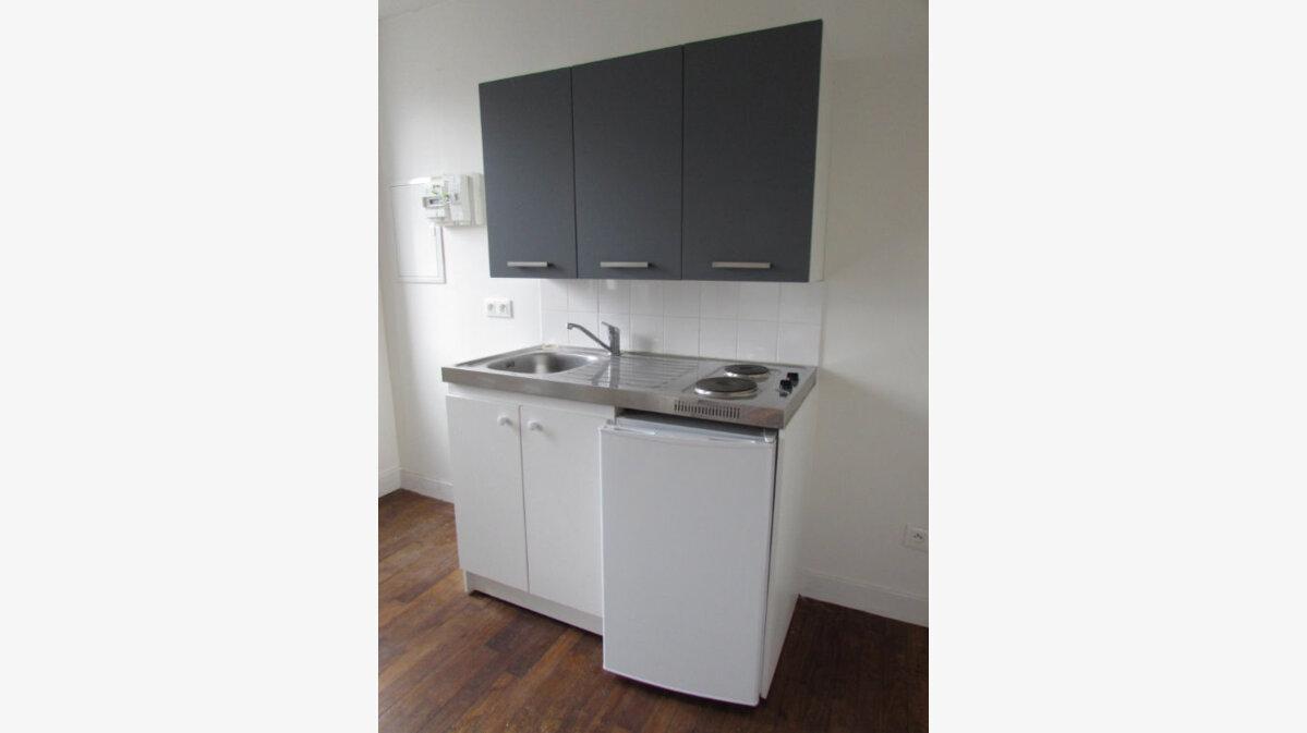 Location Appartement 2 pièces à Le Lardin-Saint-Lazare - vignette-5