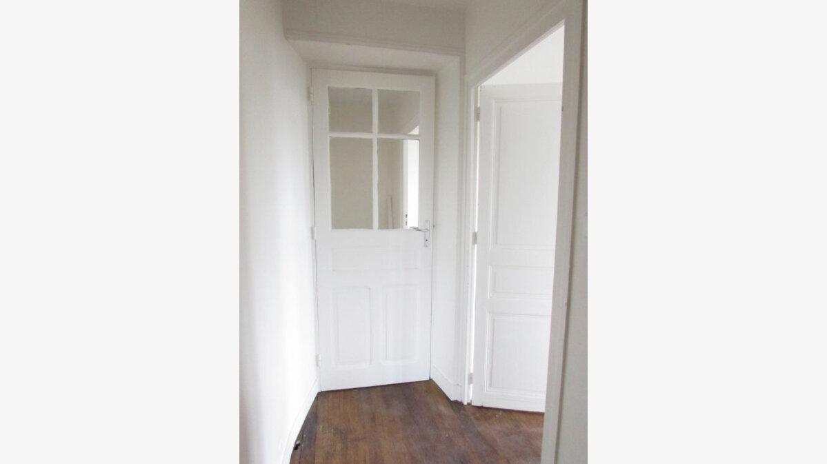 Location Appartement 2 pièces à Le Lardin-Saint-Lazare - vignette-7