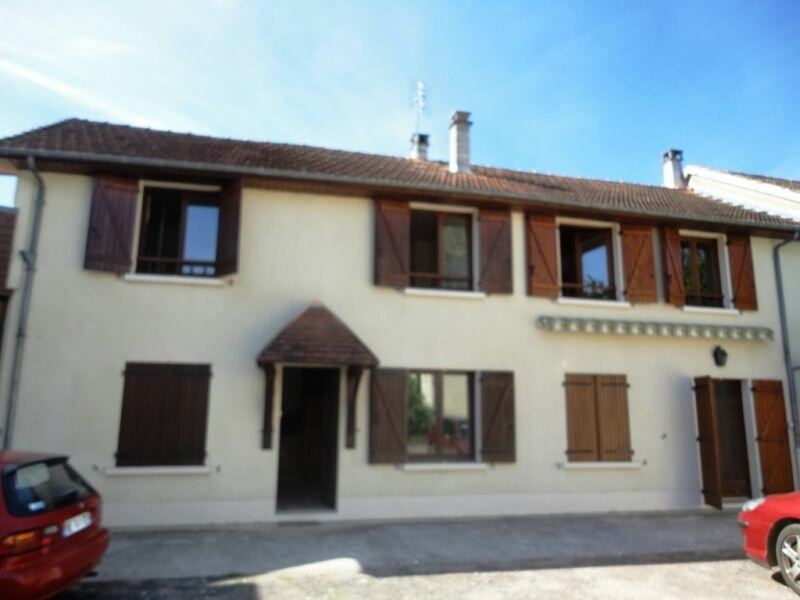 Location Maison 6 pièces à Terrasson-Lavilledieu - vignette-1