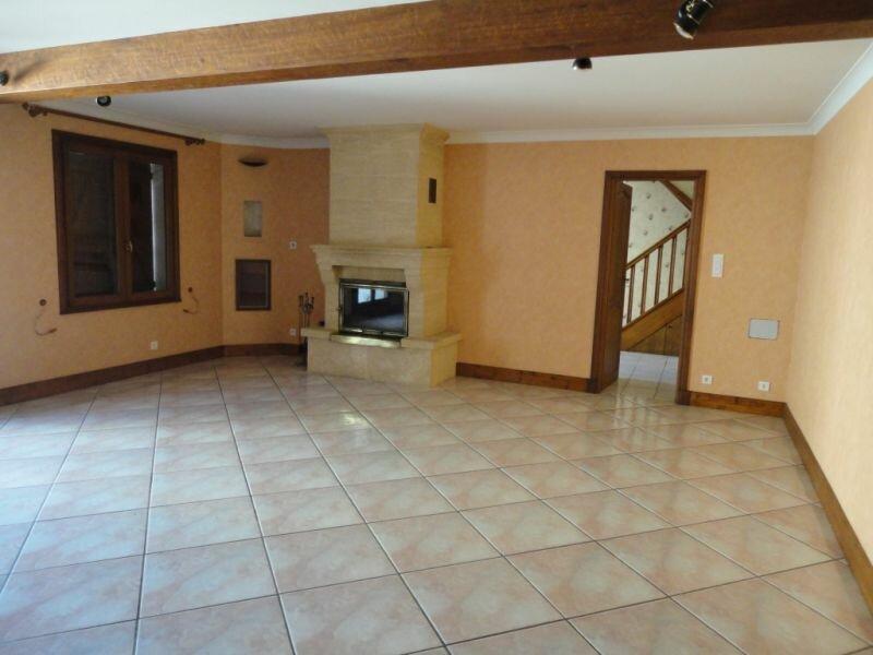Location Maison 6 pièces à Terrasson-Lavilledieu - vignette-2