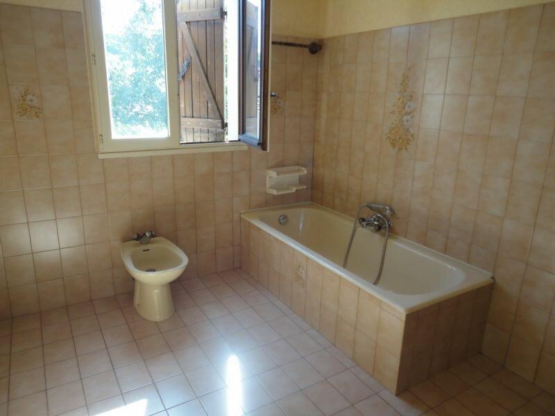 Location Maison 6 pièces à Terrasson-Lavilledieu - vignette-5