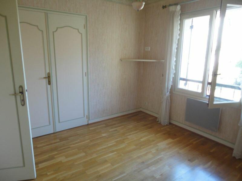 Location Maison 6 pièces à Terrasson-Lavilledieu - vignette-6