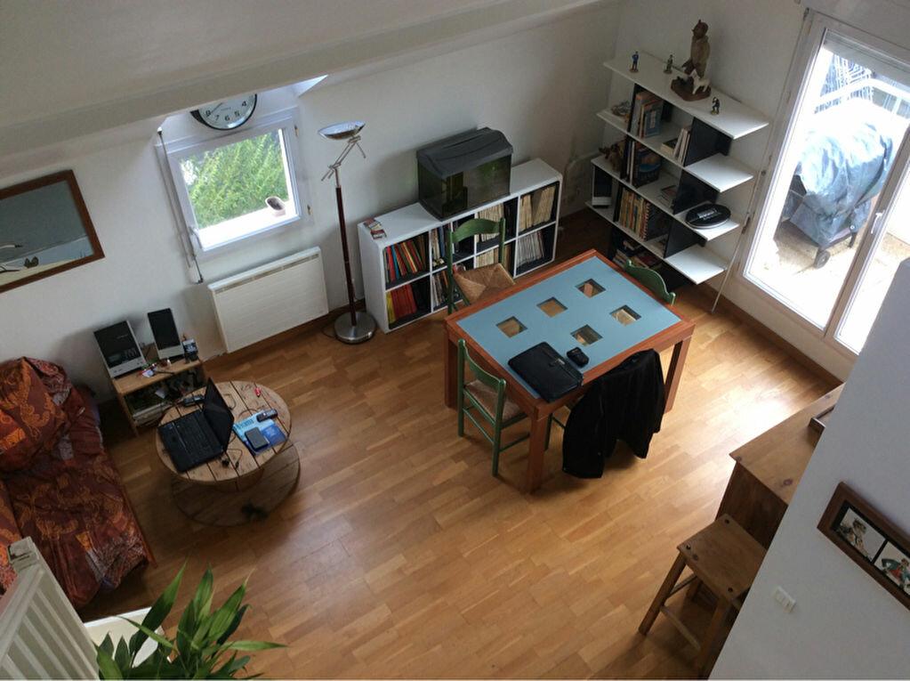 Achat Appartement 4 pièces à La Ville-du-Bois - vignette-1
