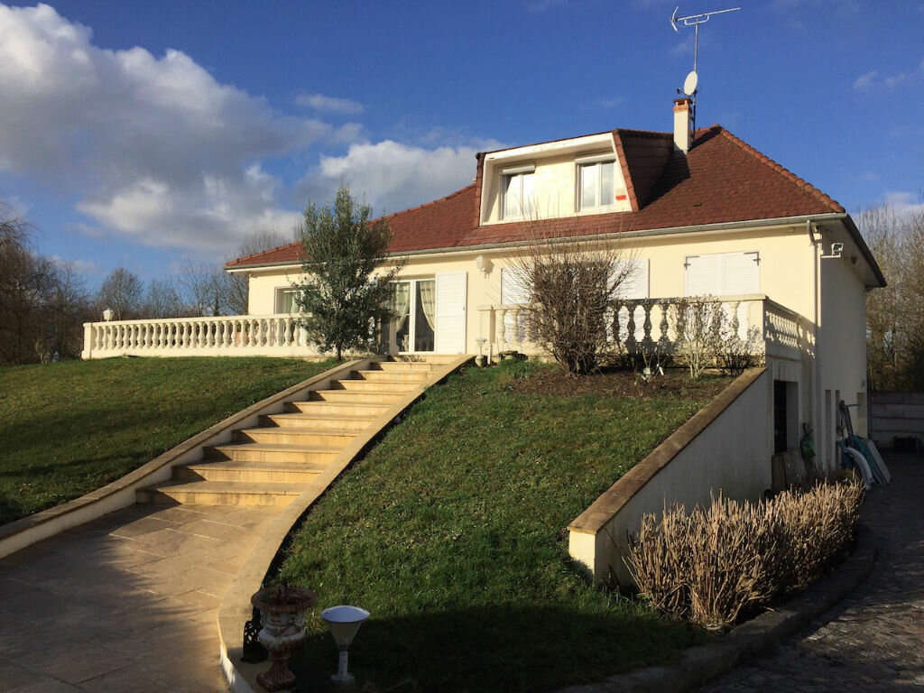 Achat Maison 7 pièces à Villejust - vignette-1