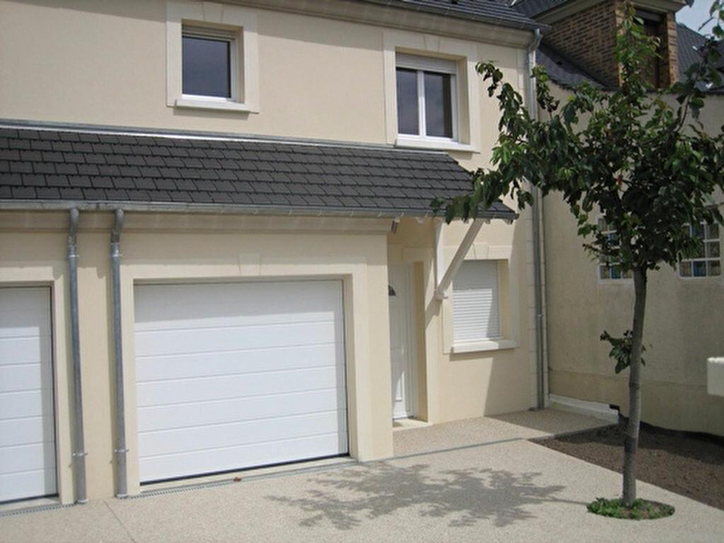 Location Maison 4 pièces à La Ville-du-Bois - vignette-1