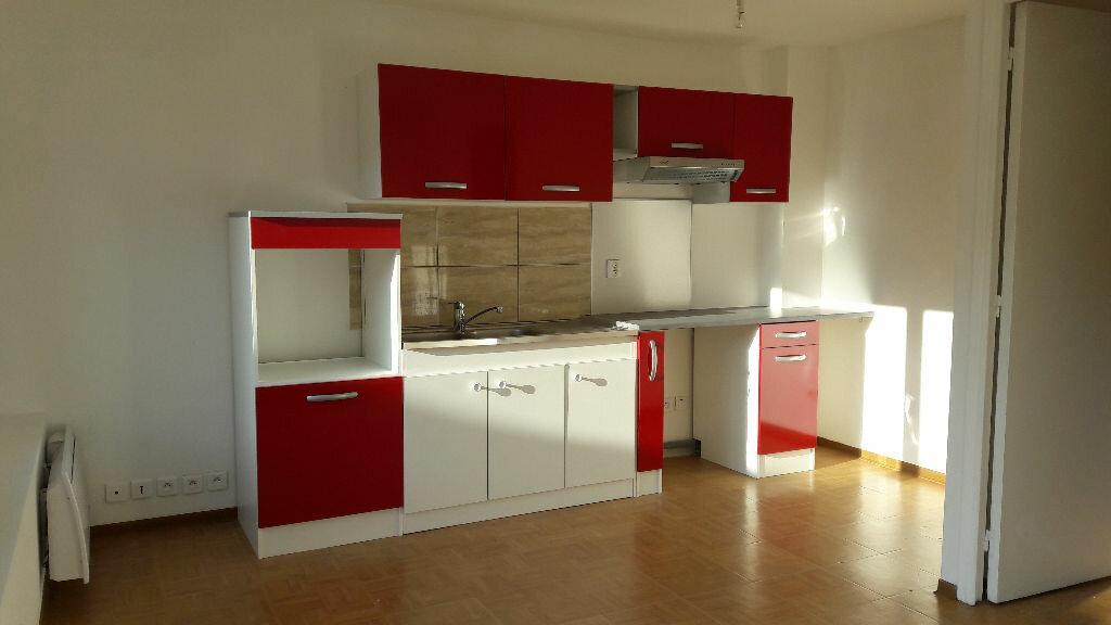 Location Appartement 3 pièces à Villebon-sur-Yvette - vignette-1