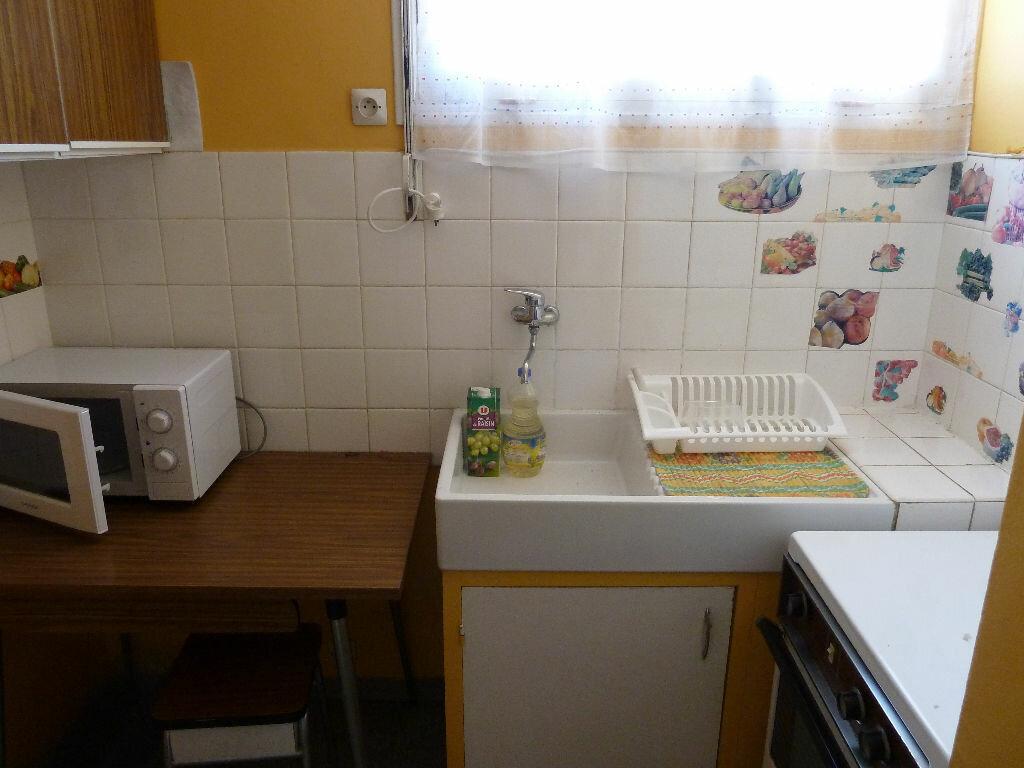 Achat Appartement 3 pièces à Vallon-Pont-d'Arc - vignette-4