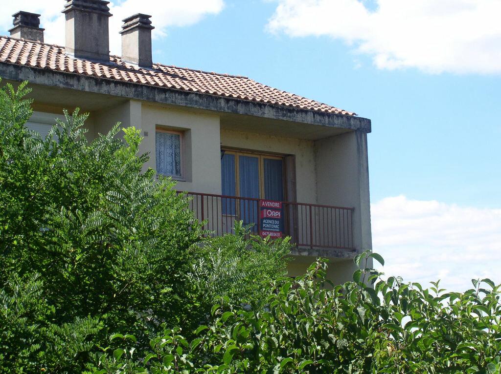 Achat Appartement 1 pièce à Vallon-Pont-d'Arc - vignette-1