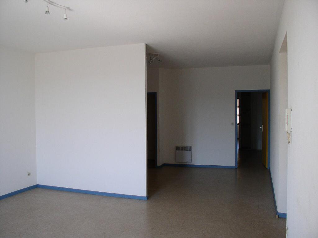 Location Appartement 3 pièces à Vallon-Pont-d'Arc - vignette-1