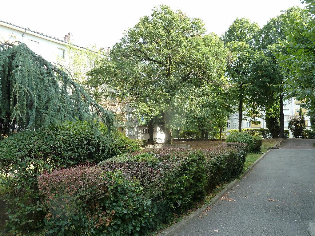 Achat Appartement 5 pièces à Aubenas - vignette-1