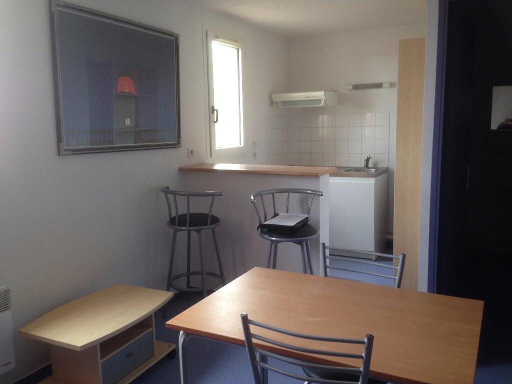 Achat Appartement 1 pièce à Sotteville-lès-Rouen - vignette-1