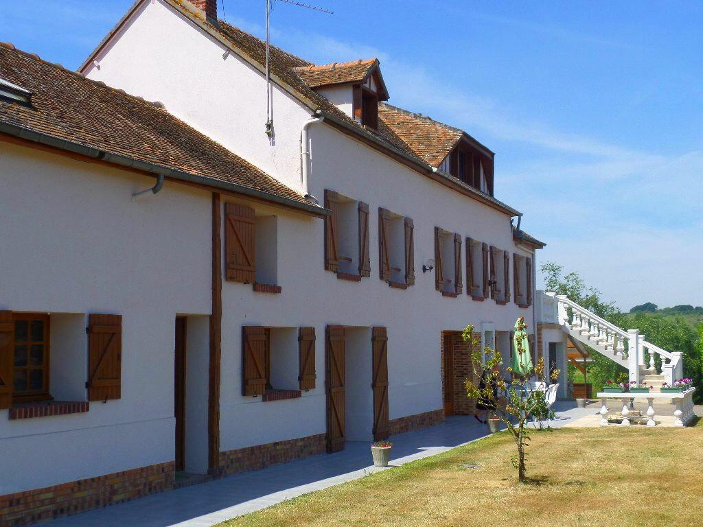 Achat Maison 10 pièces à Criquebeuf-sur-Seine - vignette-1