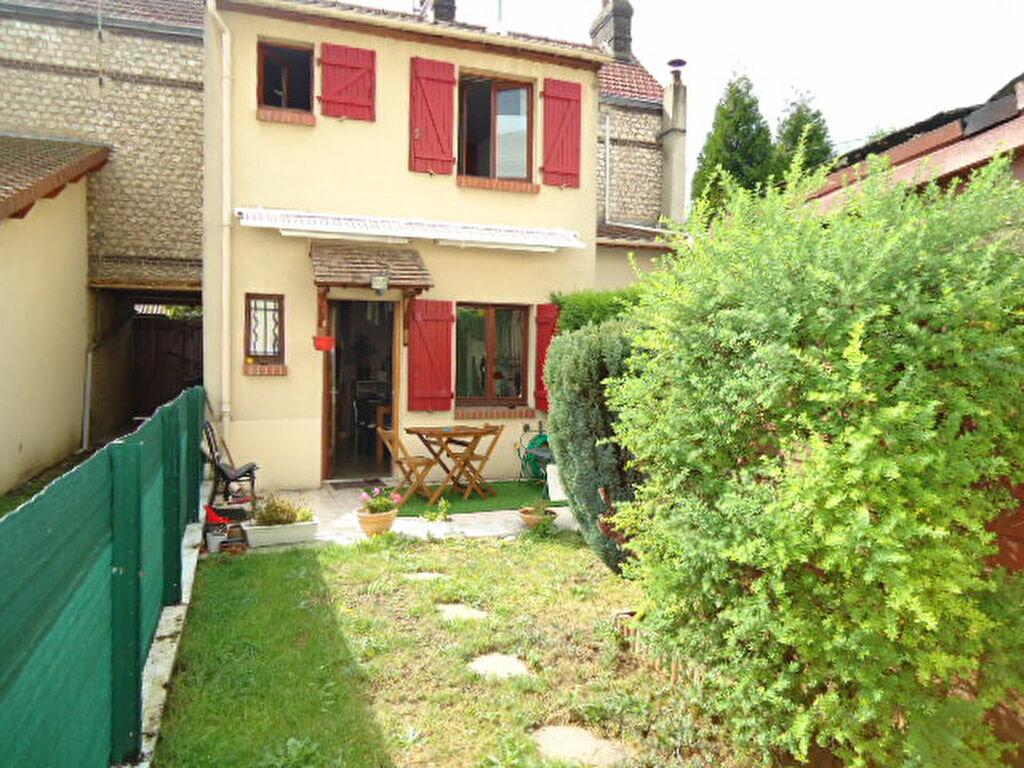 Location Maison 4 pièces à Le Petit-Quevilly - vignette-1