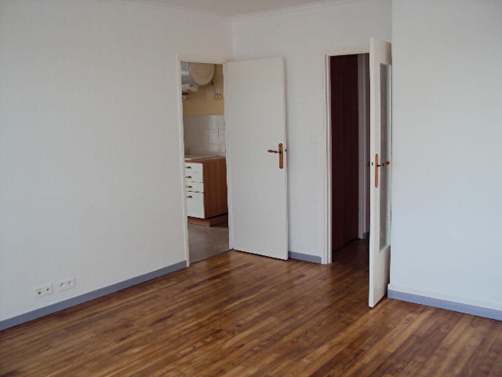 Achat Appartement 4 pièces à Sotteville-lès-Rouen - vignette-3