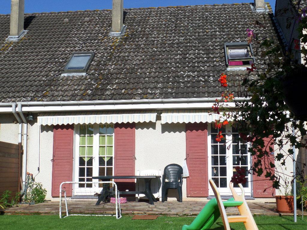 Achat Maison 6 pièces à Saint-Pierre-lès-Elbeuf - vignette-1